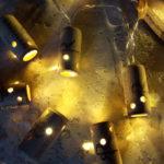 Guirlande lumineuse personnalisée au Domaine La Mineraie de Richard RETHORE à Saint-Nicolas de Bourgueil- Décoration Arts de la Table- à piles 10 leds-longueur 1,65m