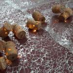 "Guirlande lumineuse ""la Champagne"" en bouchons en liège-Chemin de table -Arts de la Table"