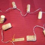 Guirlande lumineuse en bouchons de liège diversifiés-Chemin de table -Arts de la Table